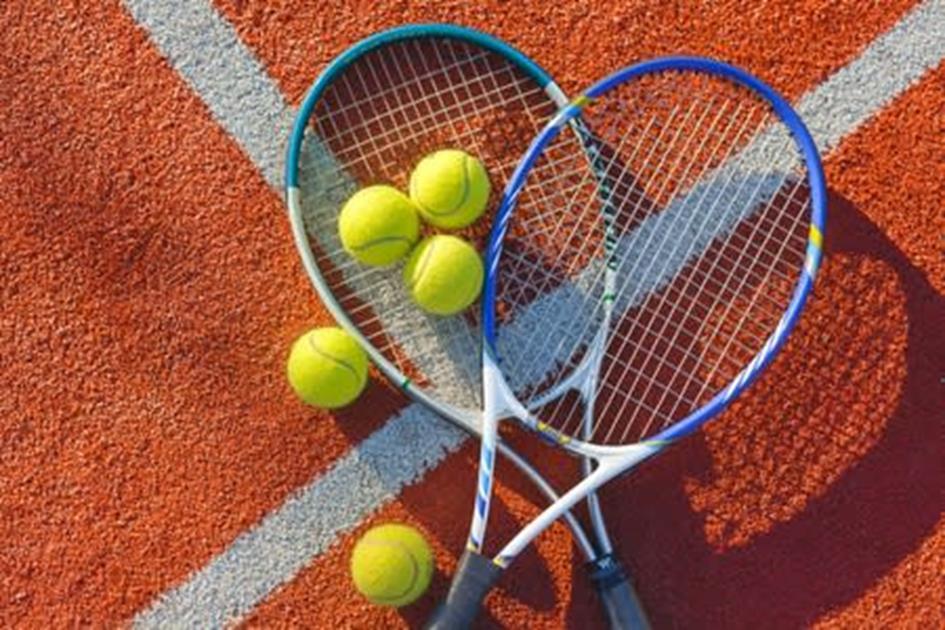 Smash court rackets en ballen